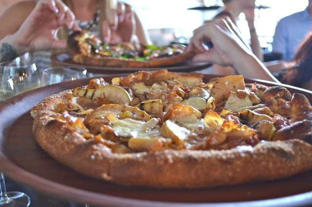 Miss Foodie Reviews - Alfredos Pizzeria11