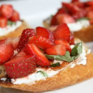 Balsamic Strawberry and Goats Cheese Bruschetta
